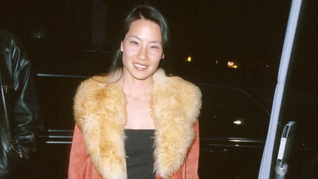 lucy-liu-1999-red-jacket