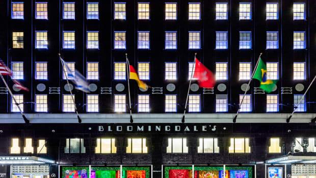 Bloomingdale's Full Windows Wide