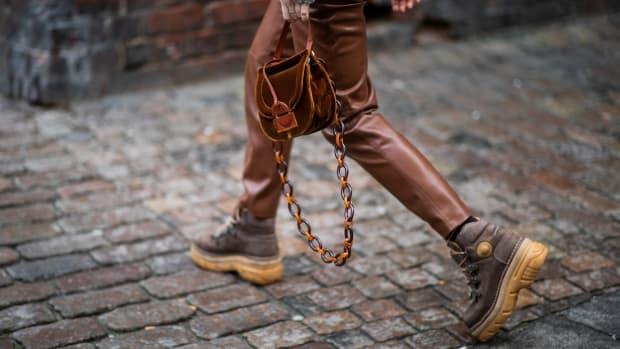 online-sales-winter-boots