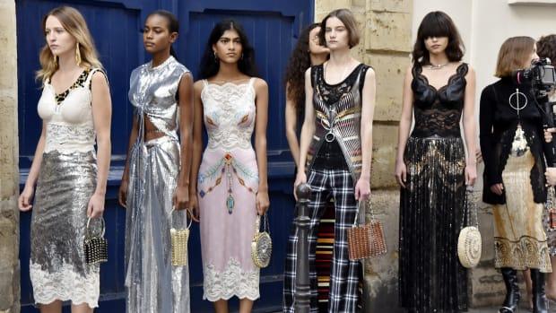 retro-futurism-definition-fashion-designers