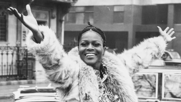 cicely-tyson-70s-outfit-promo