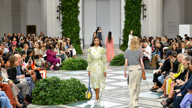 tory-burch-live-stream