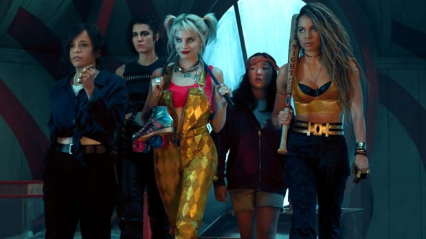 main-birds-of-prey-rosie-perez-mary-elizabeth-winstead-margot-robbie-harley-quinn-gold-overalls-ella-jay-basco-cassandra-cain-black-canary