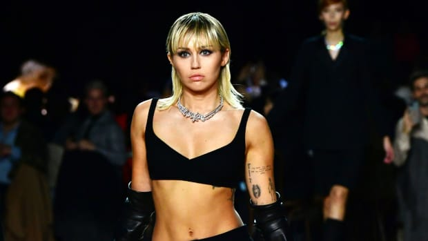 miley cyrus marc jacobs crop