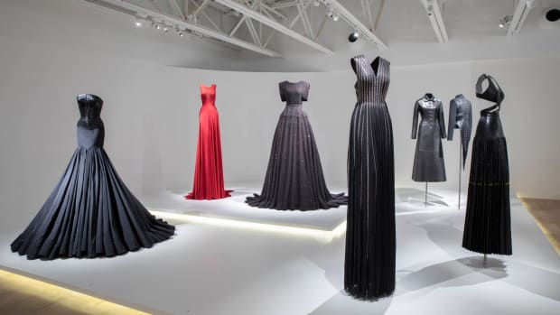 scad-azzedine-alaia-adrian-masters-of-cut-gowns (1)