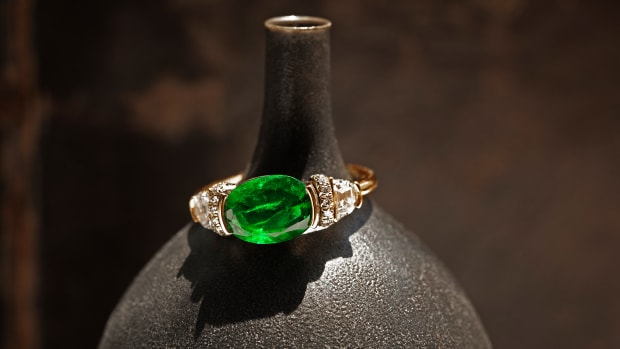 Emerald RIng- Mociun-01