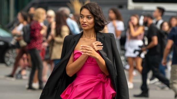shanina-shaik-nyfw-street-style-pink-dress-black-blazer-black-boots (1)