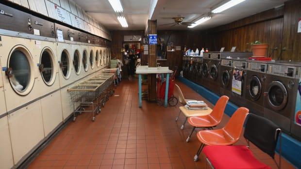 laundromat (1)