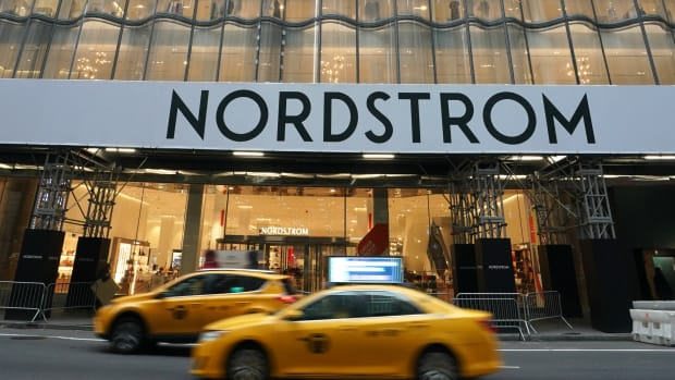 nordstrom-delayed-anniversary-sale