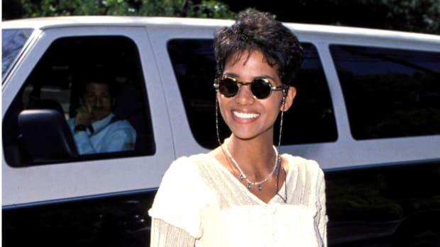 halle-berry-90s-look