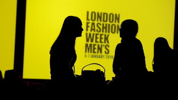 london-fashion-week-men's-sign