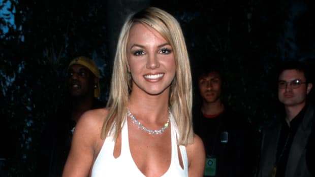 britney-spears-2000-grammy-awards-white-dress copy