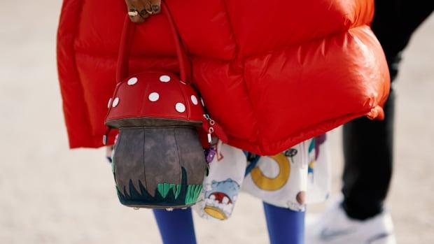 mushroom-bag-street-style