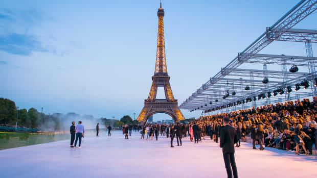 Saint Laurent Spring 2018 Eiffel Tower Atmosphere