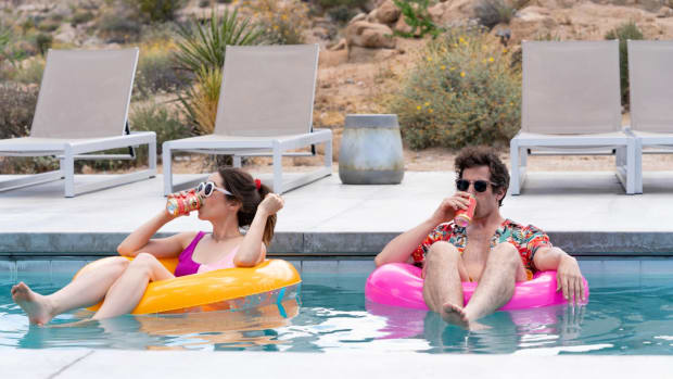 hulu-palm-springs-movie-cristin-milioti-andy-samberg-pool (1)