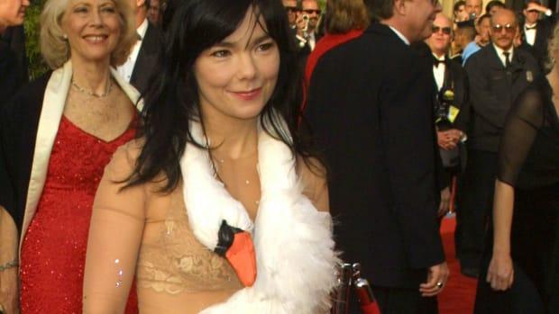 bjork-swan-dress copy