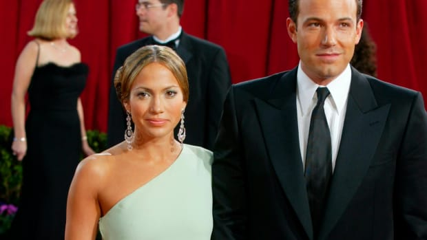 jennifer-lopez-valentino-dress-ben-affleck-2003-academy-awards-lede