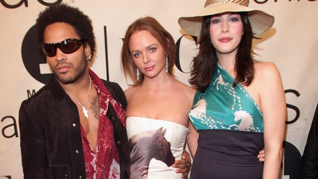 stella-mccartney-chloe-horse-print-dress-vh1-vogue-fashion-awards-2000