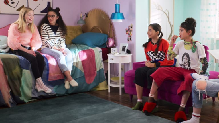 The Costumes in Netflix's 'The Baby-Sitters Club' Are Peak Cool Tween™ (With a Dash of Nostalgia)