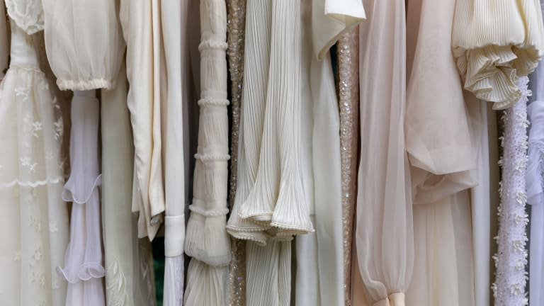 8 Cool New and Exciting Ways to Shop for a Wedding Dress