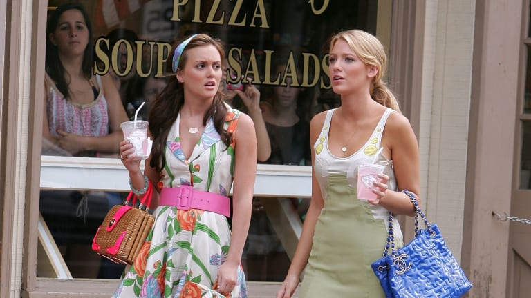 """Spotted: Warm-Weather Outfits That the Original Cast Of """"Gossip Girl"""" Would Wear in 2021"""