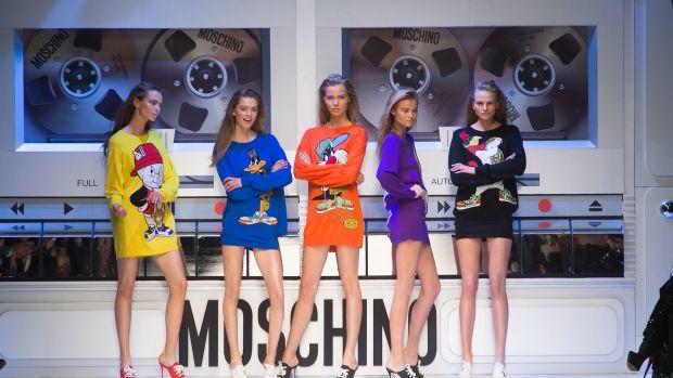 Moschino RF15 3356.jpg