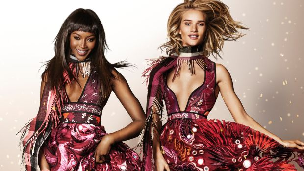 sqNaomi Campbell and Rosie Huntington-Whiteley in the Burberry Festive Campaign shot by Mario Testino.jpg