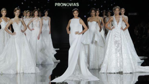 Main-Pronovias_Final_093_bridal_show.jpg