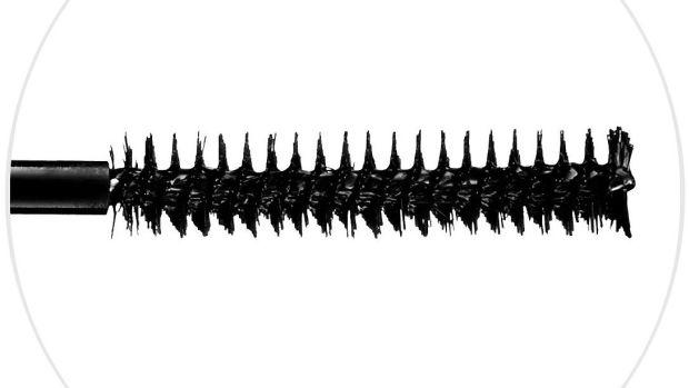mascara-brush-closeup.jpg