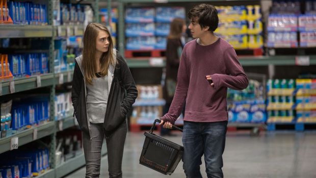 main-paper-towns-cara-delevingne-nat-wolff-grocery-store.jpg