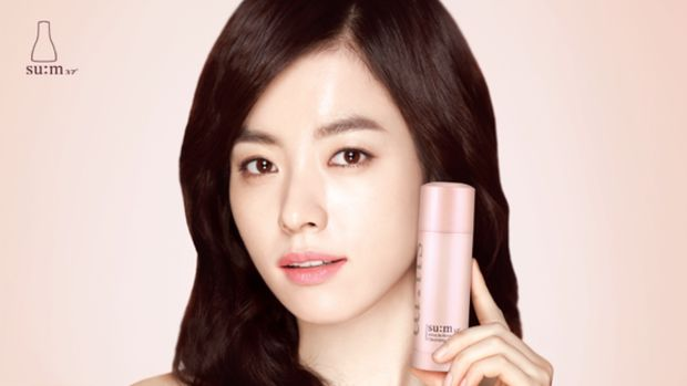 SUM37_Miracle_Rose_Cleansing_Stick_Model 2.png