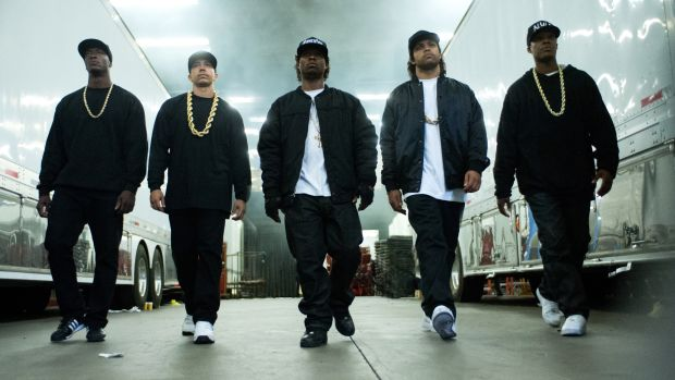 main-StraightOuttaCompton-walking.jpg