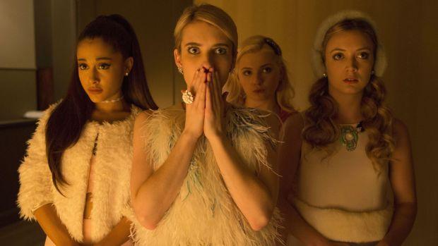 main-ScreamQueens_Emma_Roberts_Ariana_Grande.jpg