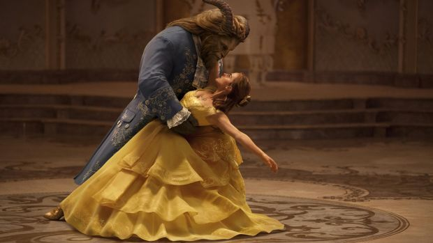 main-beauty-and-the-beast-the-beast-emma-watson-yellow-dress