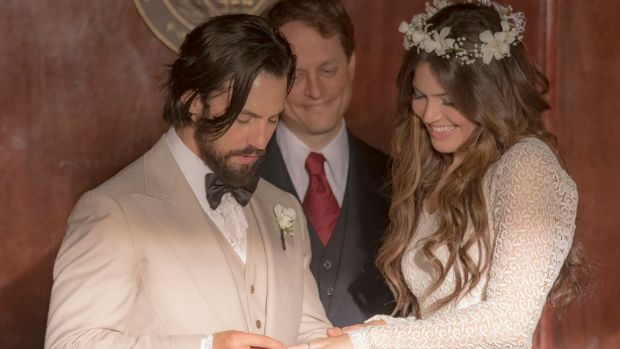 this-is-us-mandy-moore-vintage-wedding-dress