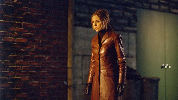 buffy-the-vampire-slayer-long-red-leather-jacketJPG