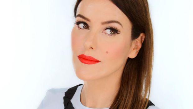 lisa-eldridge-makeup-plus.jpg
