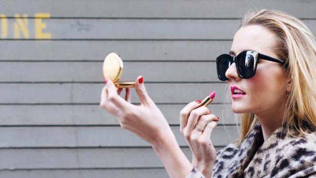 pink-lipstick-promo.jpg