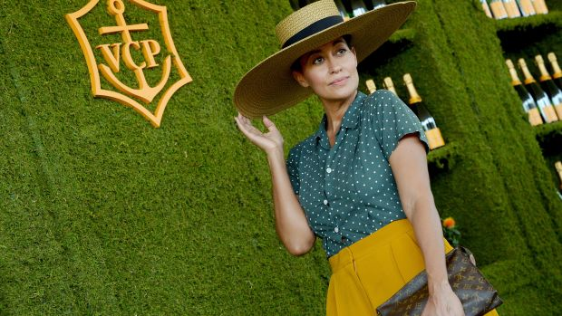 tracee ellis ross veuve clicquot 1