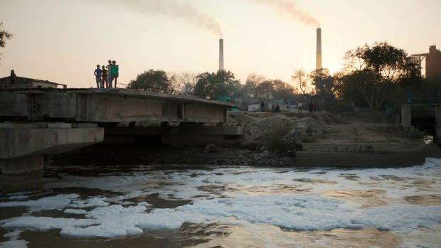 RiverBlue_fashion pollution Smoke_Stacks