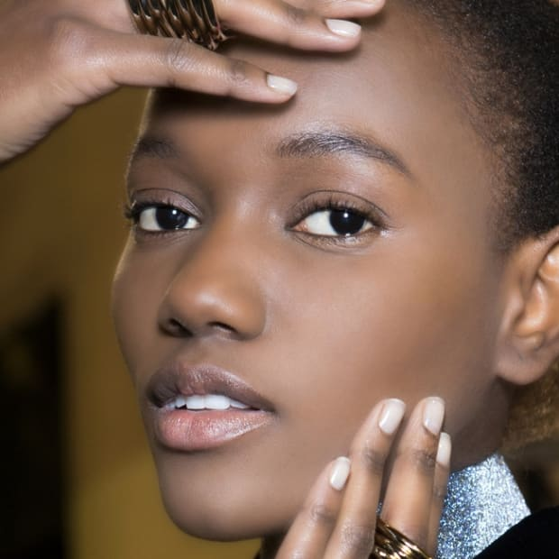 The Best Ways to Get Hairless At Home (If That's a Thing You