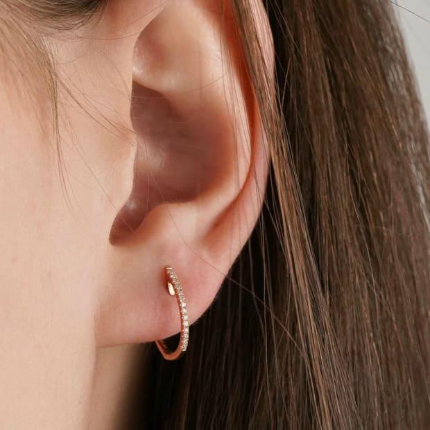 mejuri-diamond-line-hoops-th