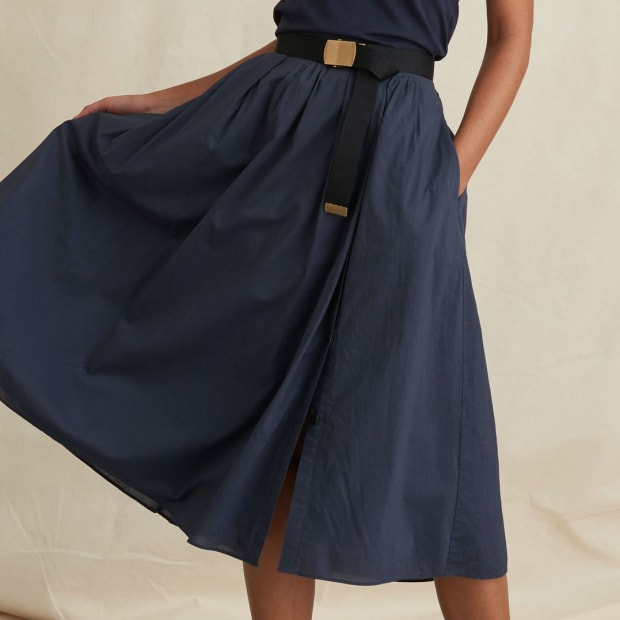 16230f224a94 The Versatile, Non-Leopard Midi Skirt Dhani Wants for Easy Summer Outfits