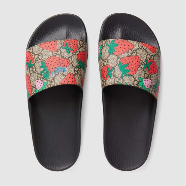 408508_G2200_8919_004_100_0000_Light-GG-Gucci-Strawberry-slide-sandal