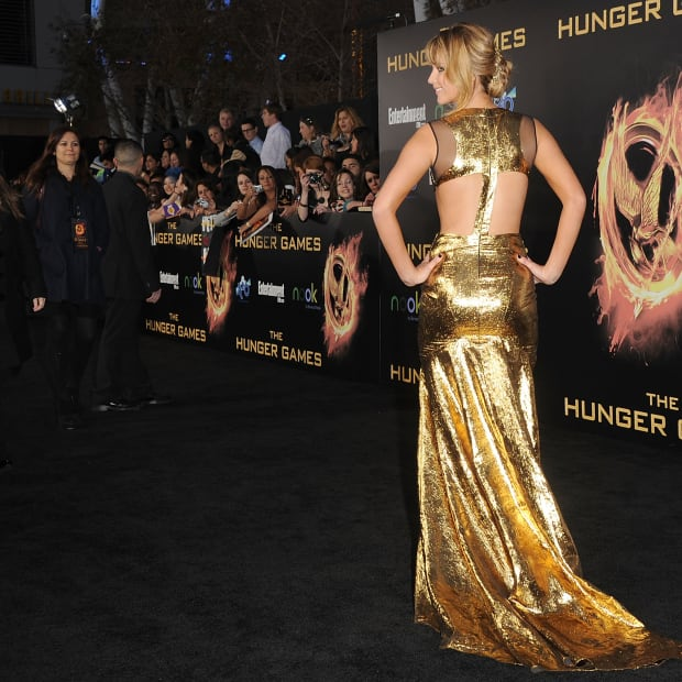 jennifer-lawrence-prabal-gurung-dress-hunger-games-premiere-3
