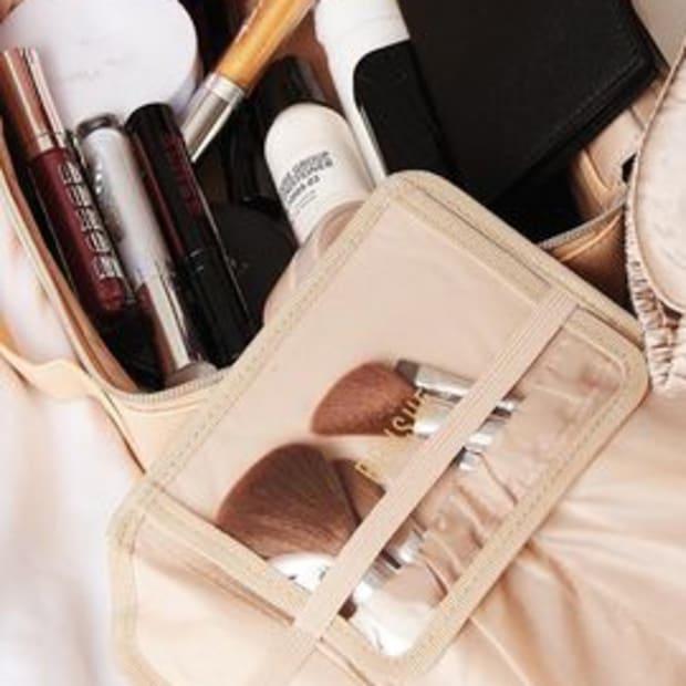 beis-makeup-bag-promo