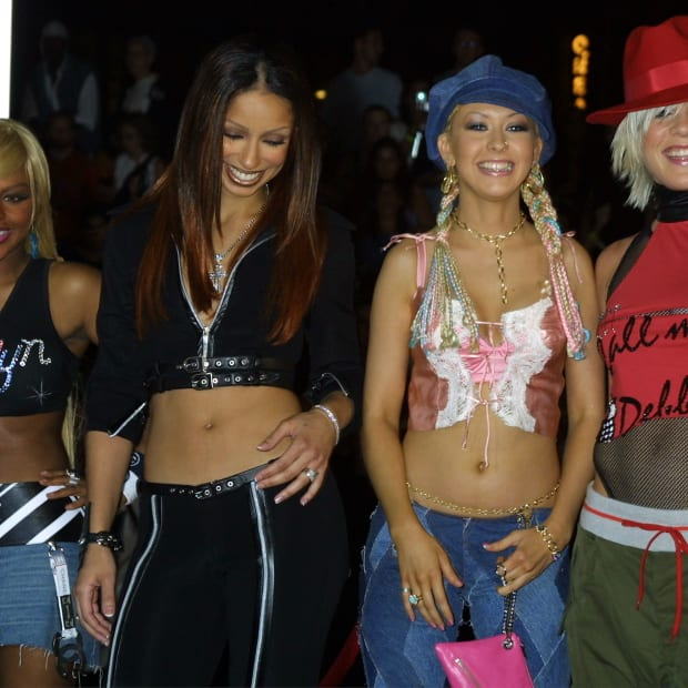 early-aughts-90s-fashion-resurgence-revivial-trends
