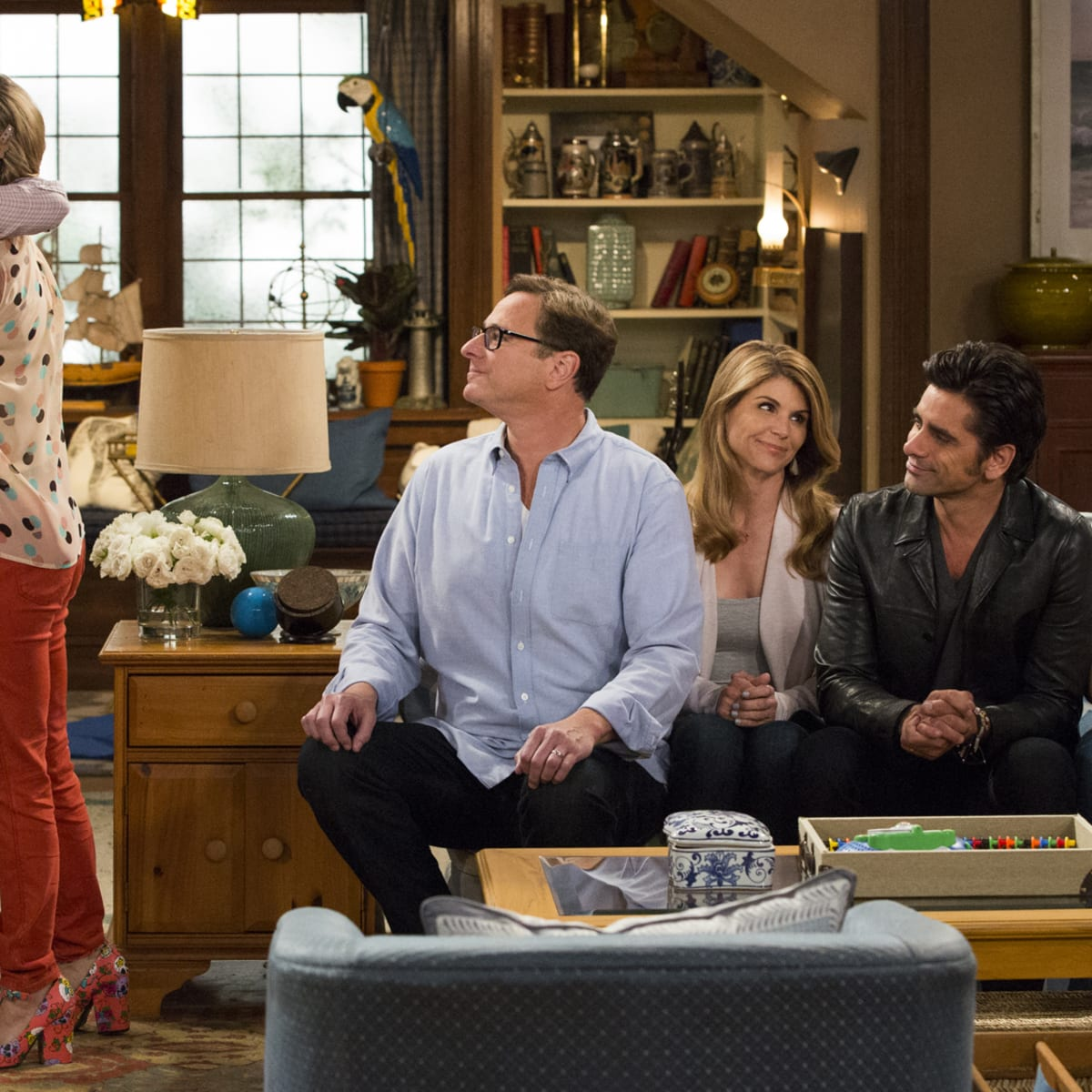How The Fuller House Costume Designer Brought The Tanners Into 2016 Fashionista