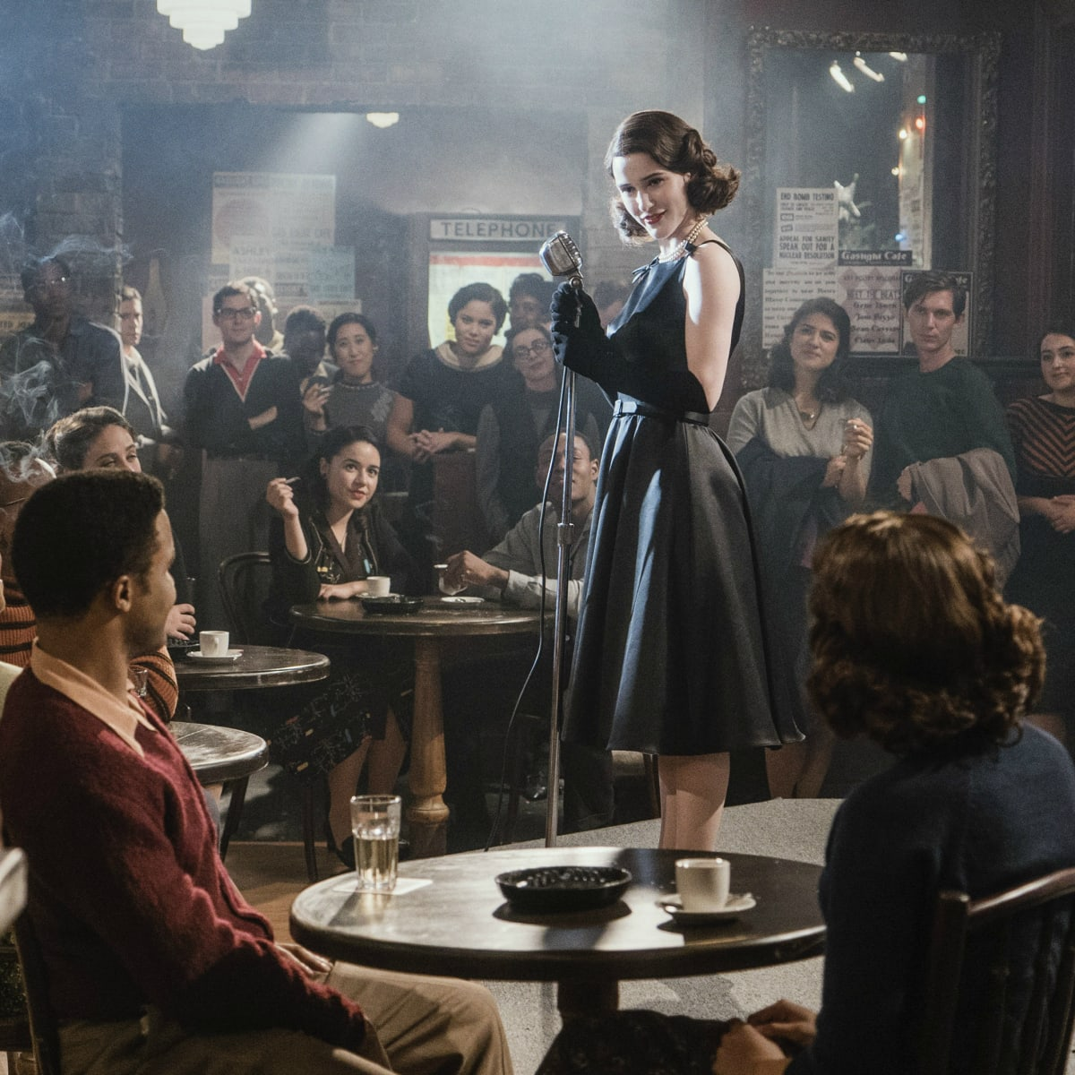 In 'The Marvelous Mrs. Maisel,' Accessories Tell Midge's Story of ...