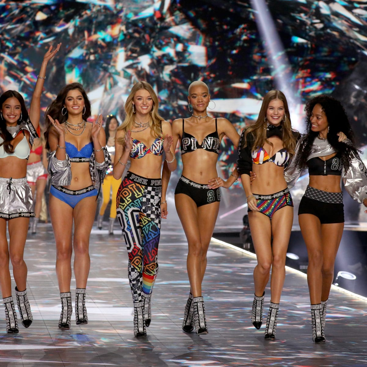 Vs Fashion Show 2018 New Models Kelsey Merritt Duckie Thot Winnie Harlow Willow Hand Fashionista